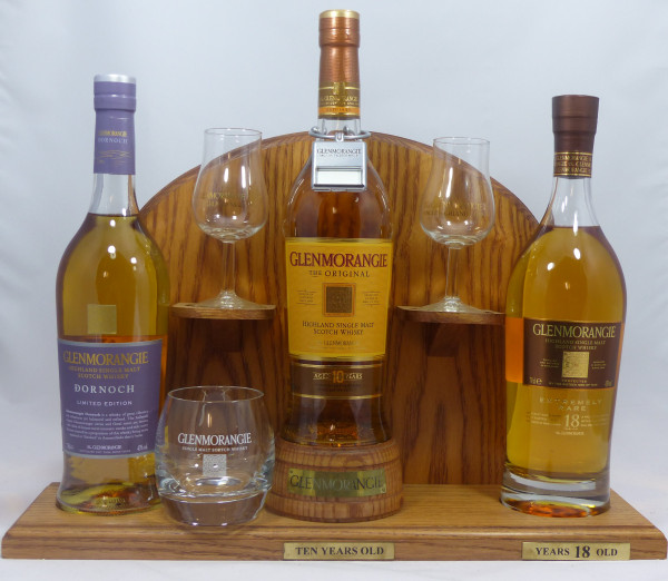 Glenmorangie Barständer /-display mit 3 Glenmorangie Single Malt Whisky's a 70cl + Zubehör